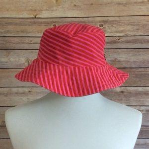 Roxy bucket hat